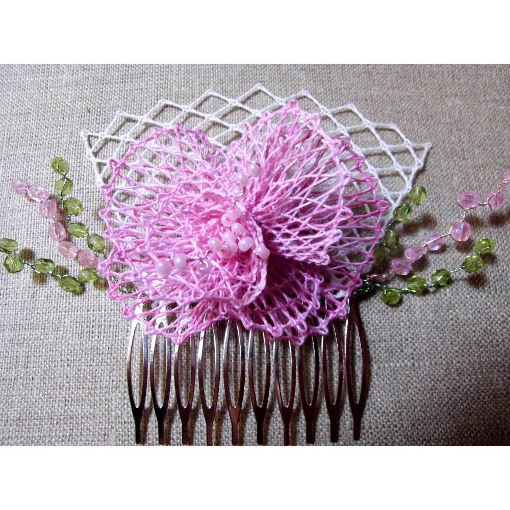 Haarschmuck rosa Blüte Haarkämmchen Haarkrönchen Hochzeit geklöppelt Handarbeit Brautschmuck Bild 1