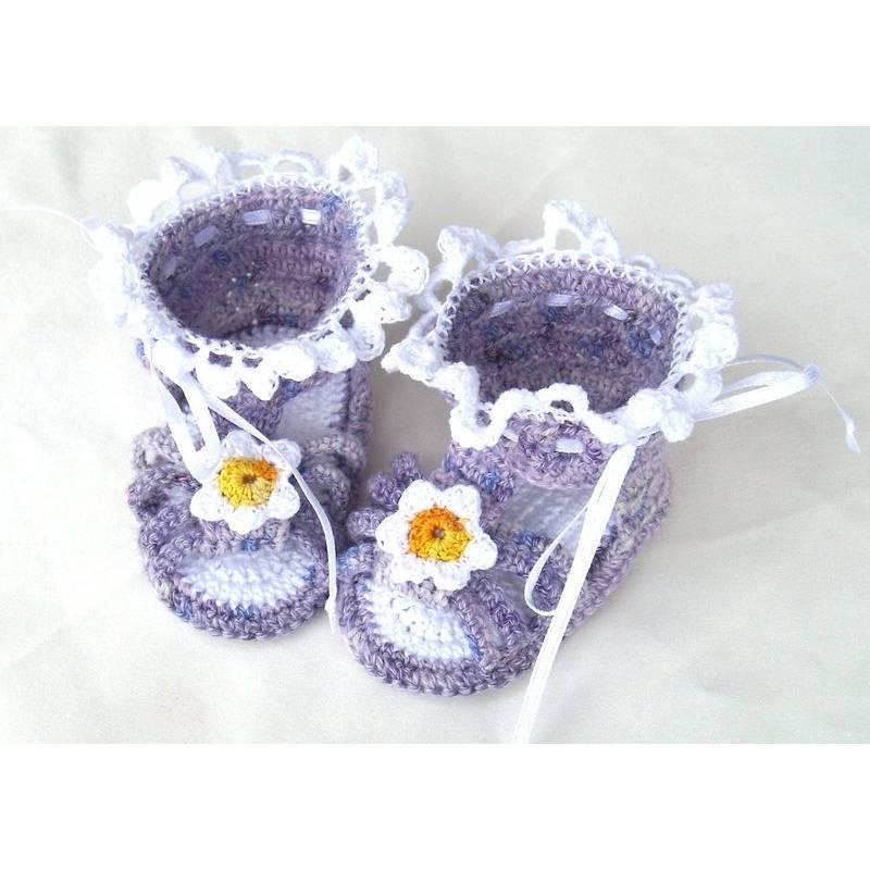 Babysandale Blütentraum fürs Baby und als Geschenk zur Geburt oder Taufe Bild 1