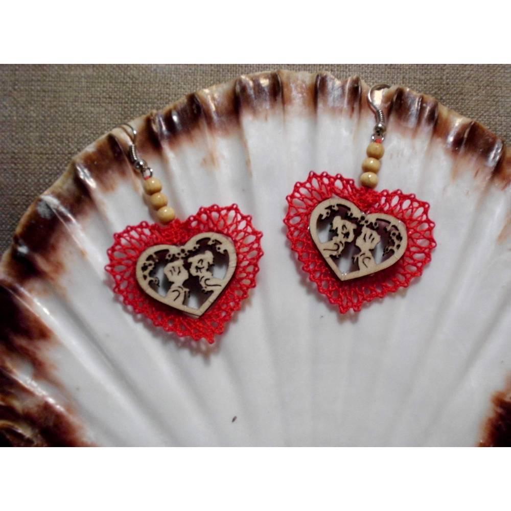 Ohrringe handgeklöppelt Holzbild Handarbeit Unikat Herzen Valentinstag Geschenk Oktoberfest Bild 1