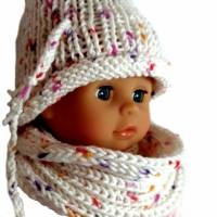 Puppen- Schal und Mütze in Weiß mit Pünktchen in Rosé, Pink und Lachs Kopfumfang 28 cm Bild 2