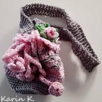 Tasche Häkelbeutel in Rosa und Grau Fantasiemuster mit 90 cm Trageband im Romantik- Look Bild 3