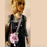 Tasche Häkelbeutel in Rosa und Grau Fantasiemuster mit 90 cm Trageband im Romantik- Look Bild 9