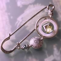 Kiltnadel Kristall im Perlmutt Ring  XXL silberne Tuchnadel  Bild 1