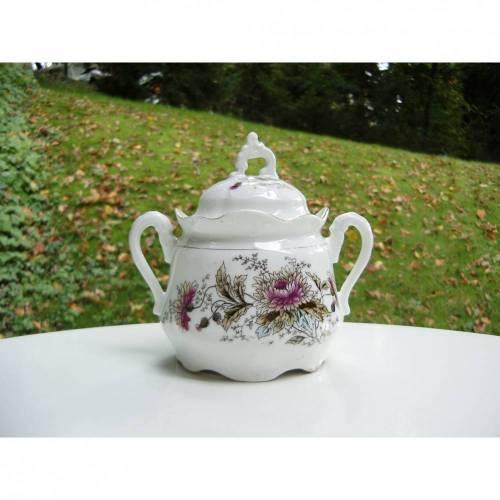 Zuckerdose, Bonboniere, Porzellan, Jugendstil, 30er Vintage Bonbondose Utensilo Landhaus Blumen lila Schnörkel Geschirr Deko Geschenk Unikat