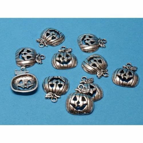 10 Kürbis Metallanhänger / Charms