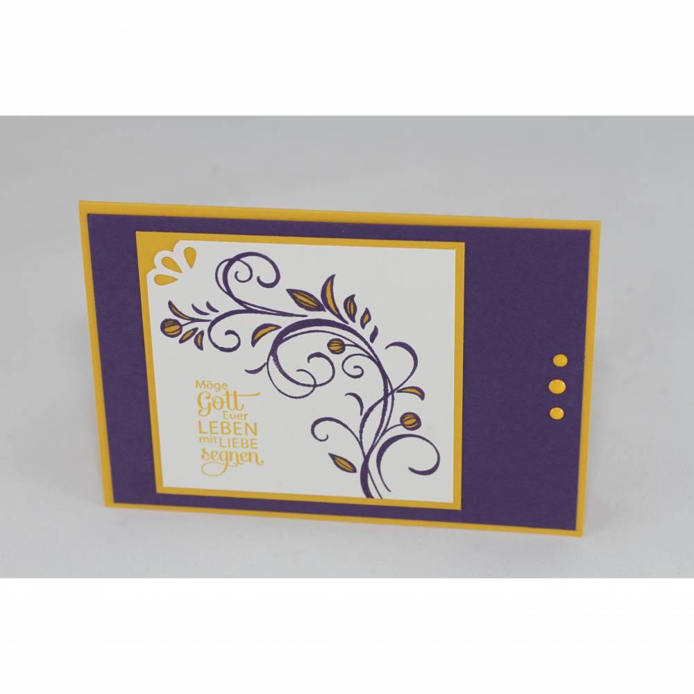 """Glückwunschkarte zur Hochzeit """"Schnörkel"""" in lila und gelb Bild 1"""