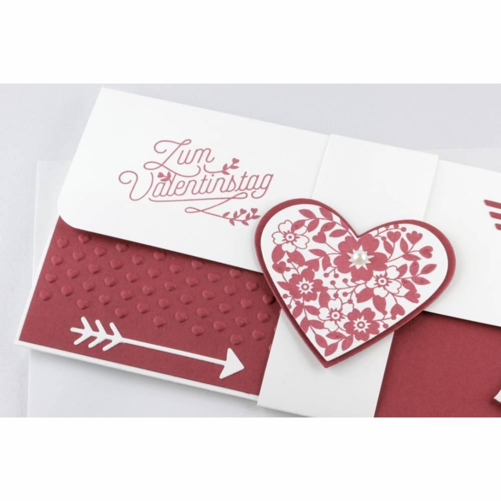 Geschenkverpackung für Konzertkarte oder Theaterkarte für Valentinstag Einladung Rot Bild 1