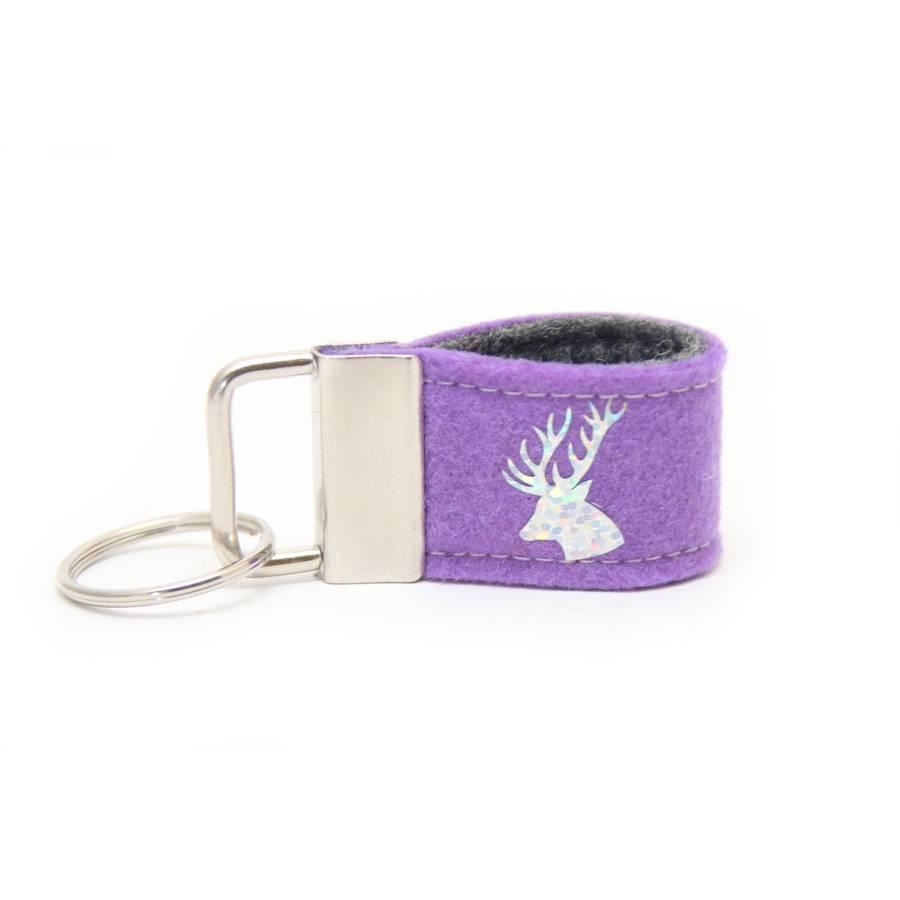 Mini Schlüsselanhänger Glimmer Hirsch aus Wollfilz lila / dunkelgrau Bild 1