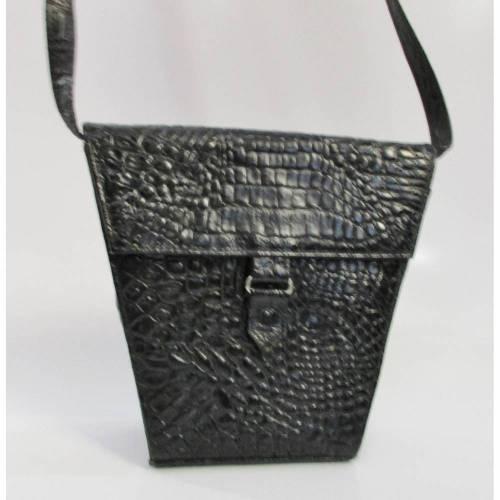 Eckige Vintage Kroko Tasche Handtasche aus den 80ern Trapez Schwarz Clutch Magnetverschluss