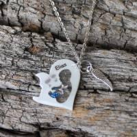 Erinnerungskette Sternenkind Herz mit Sternenstaub Babyfuß und Engelsflügel personalisierbar Bild 1