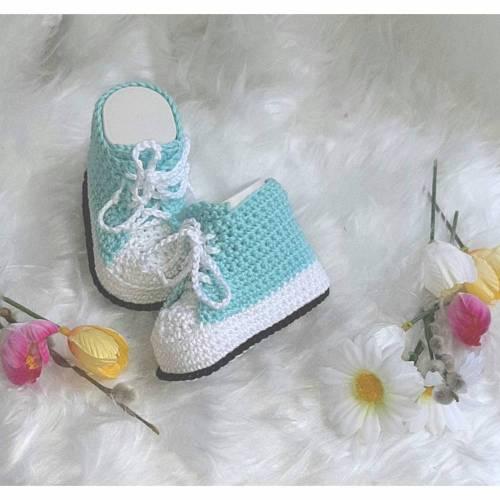 Babyschuhe / Babypuschen / Bootis / Turnschuhe gehäkelt für Babys