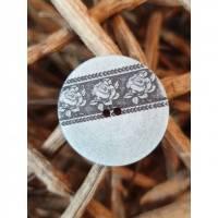 Polyesterknopf Rosen Shabby hellgrau 23mm Bild 1