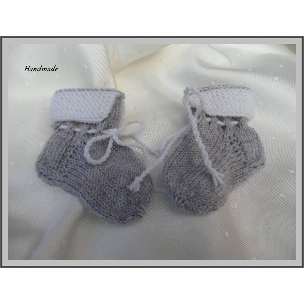 Babysocken für Neugeborene, handgestrickt aus Wolle (Merino) Bild 1