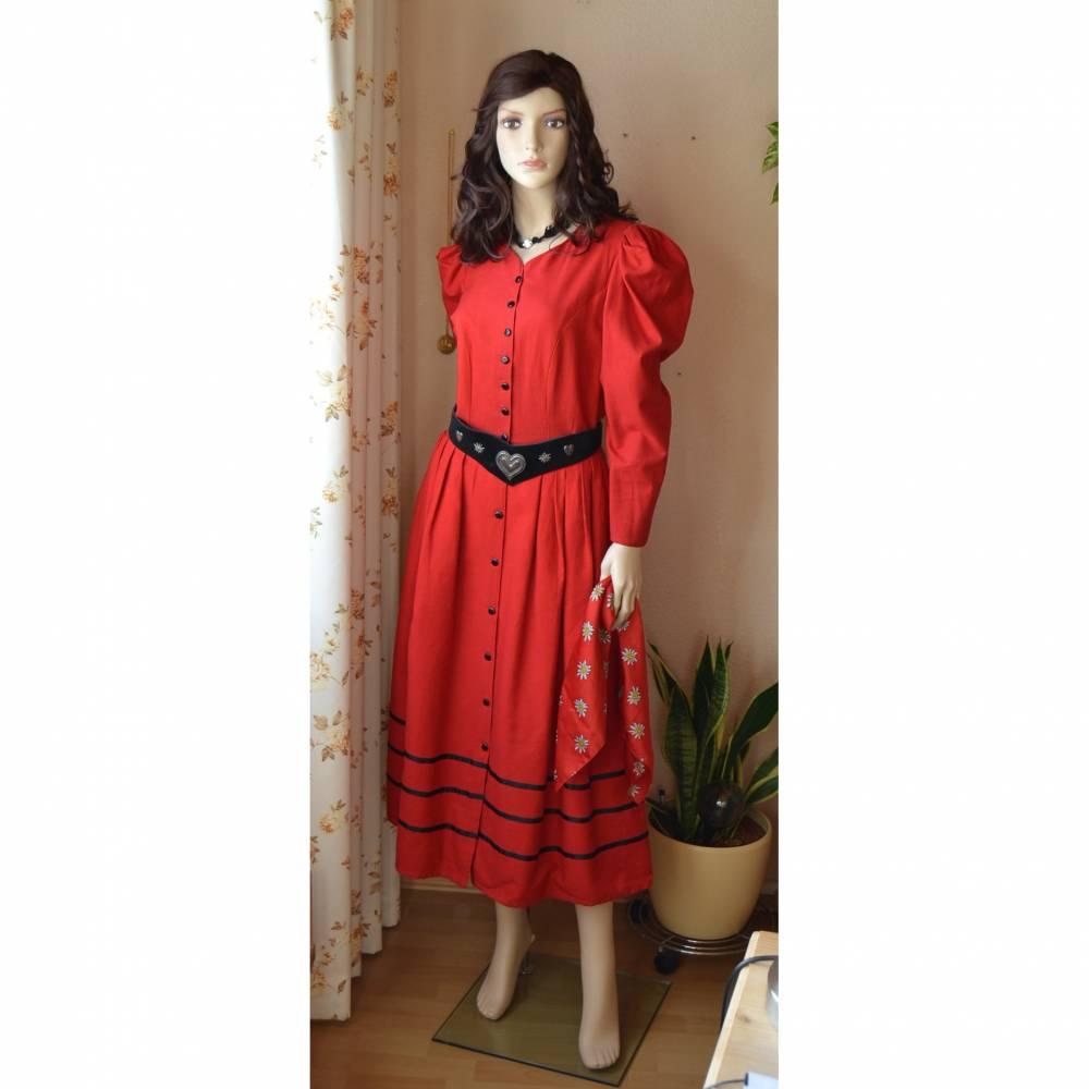 Rotes Kleid im Landhausstil  Bild 1