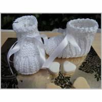 Taufschuhe, Babyschuhe handgestrickt, Baumwolle. Größe 2-4 Mon. Bild 1