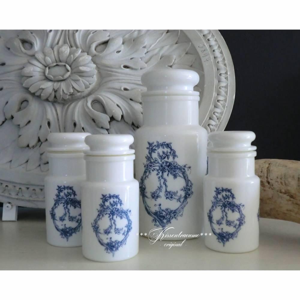 Vintage Vorratsdosen, Vorratsbehälter, Glasdosen Set aus Opalinglas mit großen, blauen Ornament. Bild 1