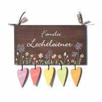 DeinUnikat Familienschild Holz mit Herzanhänger personalisiert Bild 1