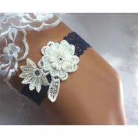 Strumpfband zur Hochzeit, etwas Blaues Blume 3D Bild 1