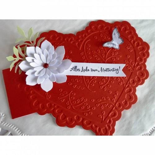 Karte zum Muttertag in Herzform, rot