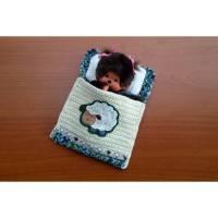 Kleines Schäfchen Puppenbettchen - Schlafsack für Monchichi 20 cm Bild 1