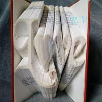 """Schriftzug """"Love"""" - Gefaltetes Buch  Bild 1"""