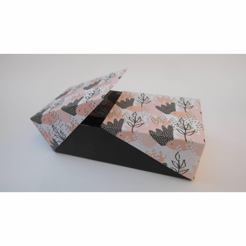 **Nicht alltägliche** Geschenkverpackung ..Klappschachtel .. Geschenkschachtel ..  schwarz/apricot/silber Bild 1