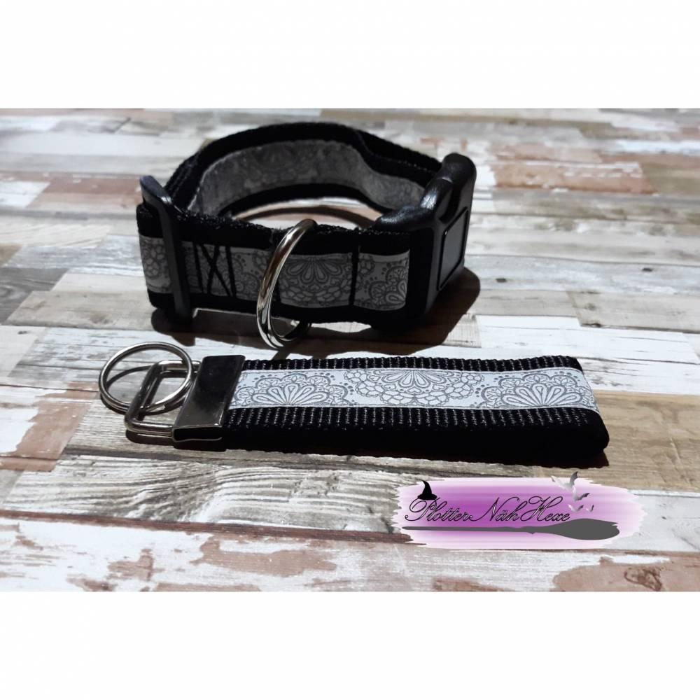 Hundehalsband mit Schlüsselanhänger schwarz, Spitzen Motiv Bild 1
