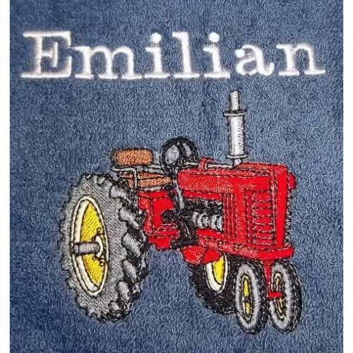 Handtuch mit Traktor und Namen bestickt