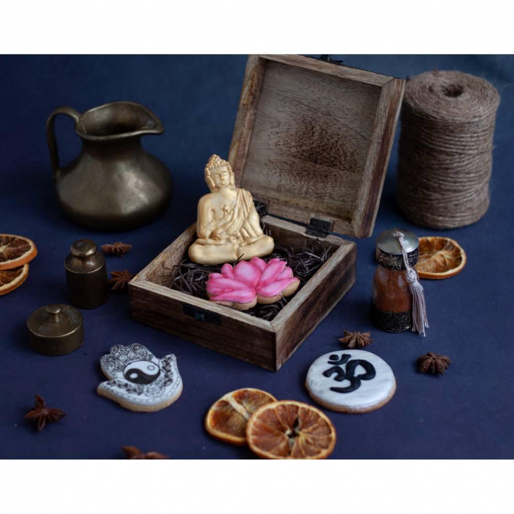 4er Set Keksausstecher Set Yoga Buddha Lotus Blüte 4 Ausstecher Ausstechformen Buddismus Geschenk  inkl 2 Rezepten Bild 1