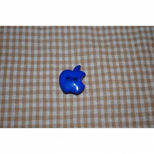 Knopf Bitten Apple mittel blau 2cm