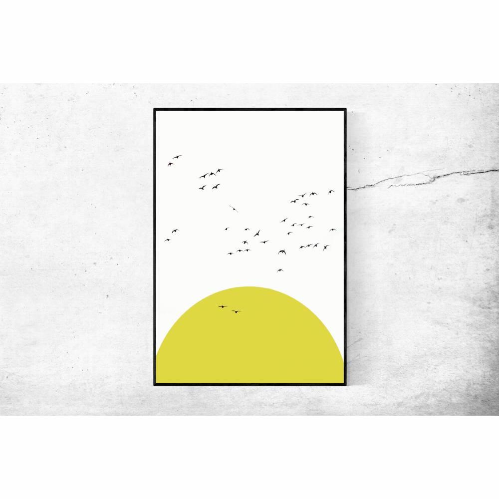 Sonnenposter, fliegende Gänseschar, minimalistische Illustration in weiß und gelb, Wanddekoration, 30 x 40 cm  Bild 1