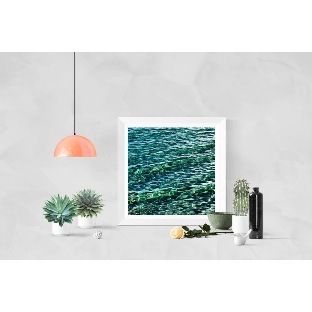 Meer in Smaragdgrün, Wellen und Lichtreflexe, Fotografie in der Größe 30 x 30 cm Bild 1