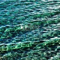 Meer in Smaragdgrün, Wellen und Lichtreflexe, Fotografie in der Größe 30 x 30 cm Bild 2