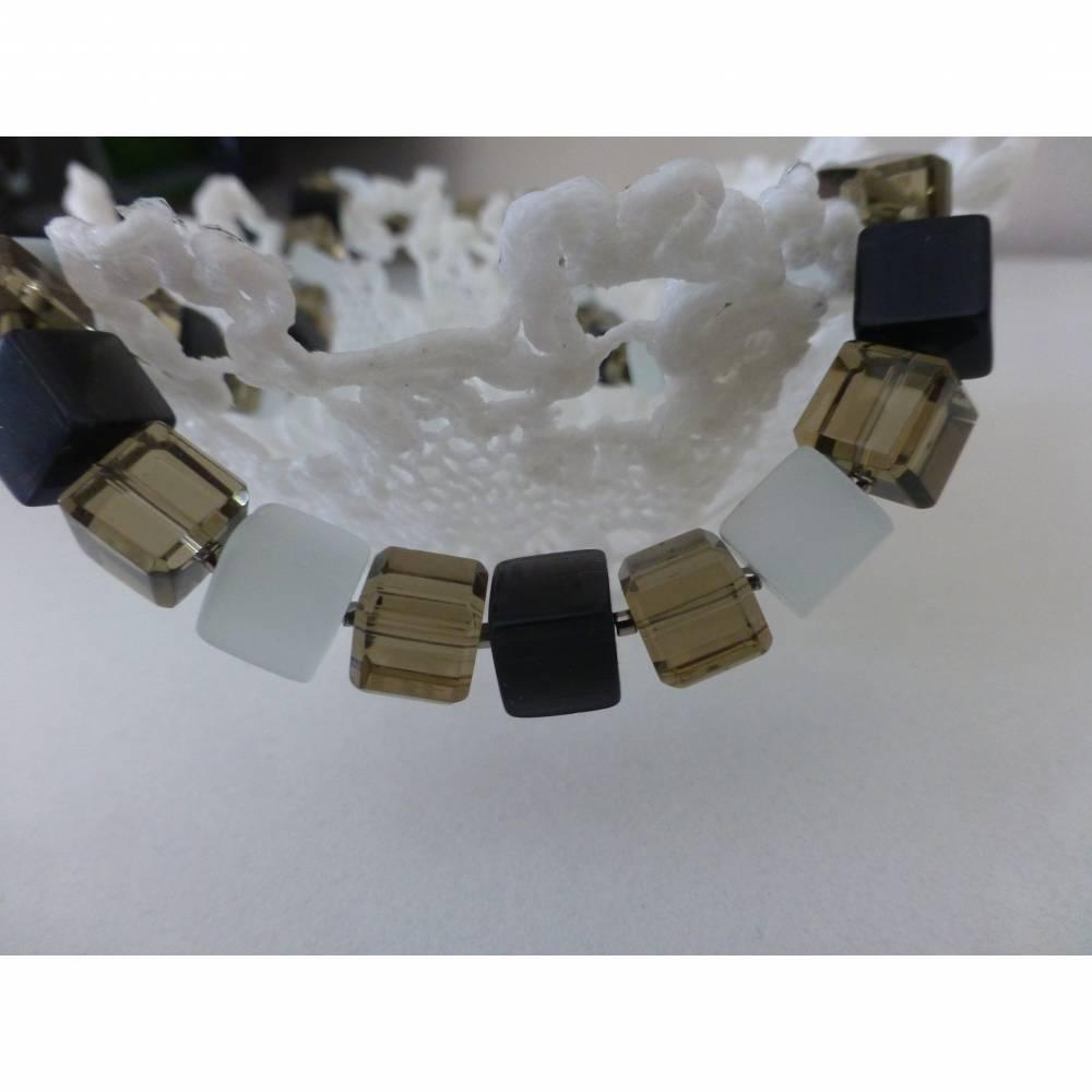 Würfelkette, schwarz, weiß, grau, Mel - Len, Kette, 46 cm, Kette Würfel, Halskette, Geschenk, Muttertag, Geburtstag, Perlenkette Bild 1
