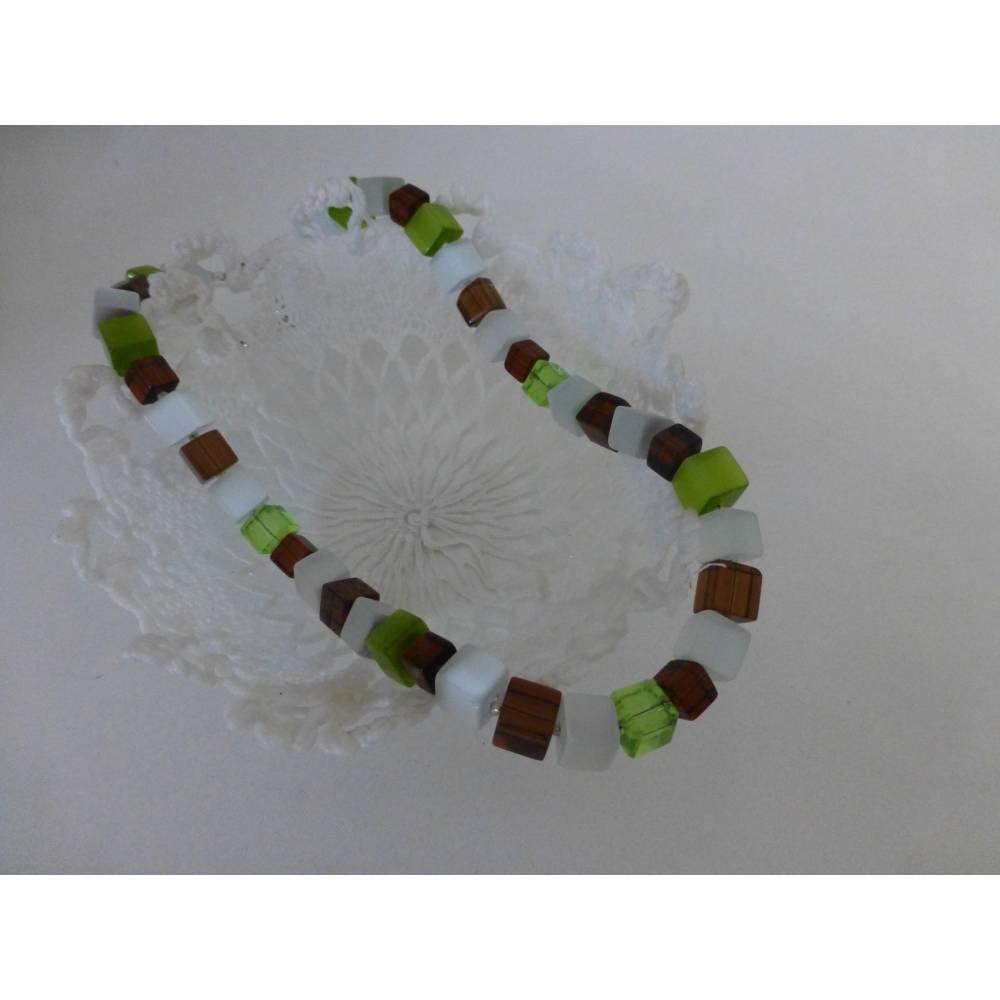 Würfelkette, grün, braun, weiß, Mel -  Len, Kette, 46 cm, Halskette grün, Geschenk, Muttertag, Geburtstag, Perlenkette, Hochzeitsschmuck Bild 1
