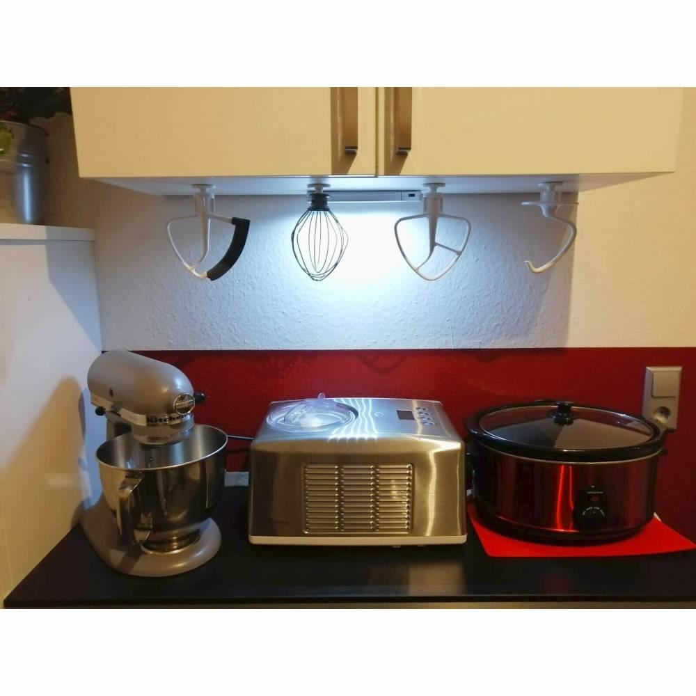 4er Set Halter K-A 2S passend für Kitchen Aid Küchenmaschinen Organizer der Ihr Backzubehör wie z.B. Schneebesen, Knethaken, Flexi-Rührer, Flachrührer oder flexibler Flachrührer in Szene setzt und für mehr Patz in Ihrer Küche sorgt. Bild 1