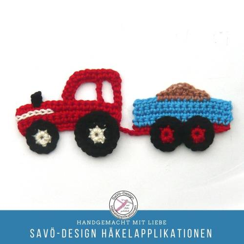 kleiner Traktor mit Anhänger Applikation, Häkelapplikation Traktor