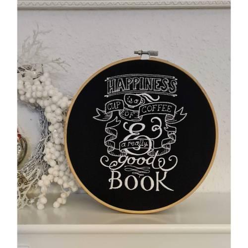 ♥ gestickt Stickrahmen Happyness Kaffee und Buch