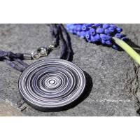 Halskette- Kette Taler Scheibe Papier Schwarz-Weiß am Seidenband Unikat Edelstahl Verschluss Bild 1