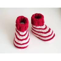 rotgestreifte Babyschuhe 3-6 Monate aus Baumwolle gestrickt Bild 1