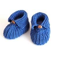 blaue Babyschuhe 0-3 Monate aus Baumwolle gestrickt mit Knopf Elefant Bild 1