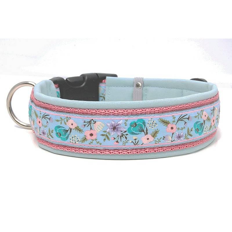 Hundehalsband »Parisian Garden blue« mit Softshell unterlegt aus der Halsbandmanufaktur von dogs & paw Bild 1