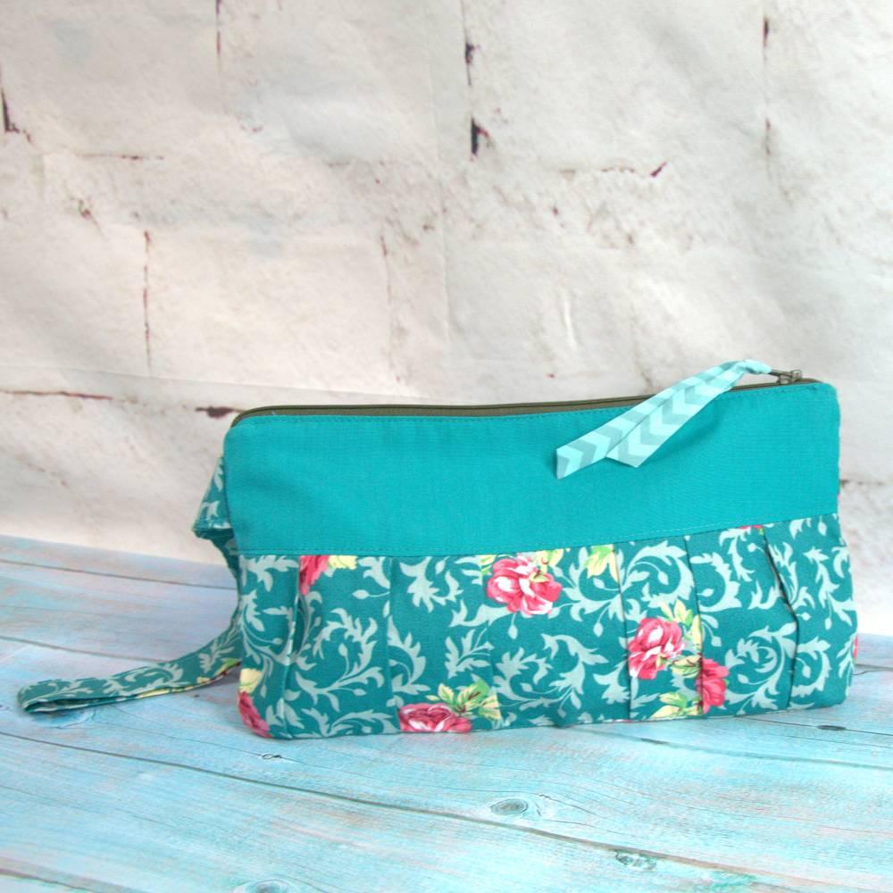 Stofftasche Handgelenkstasche Pochette - grün mit Blumen Bild 1