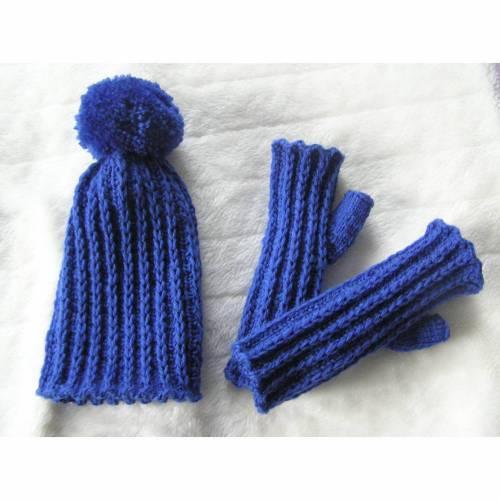 Bommelmütze + Handschuhe - 2 tlg. Set - reine Handarbeit