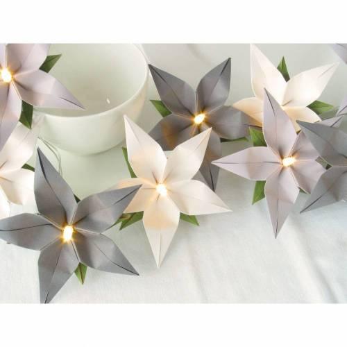 Lichterkette Blüten grau weiß mit LED als Tischdeko