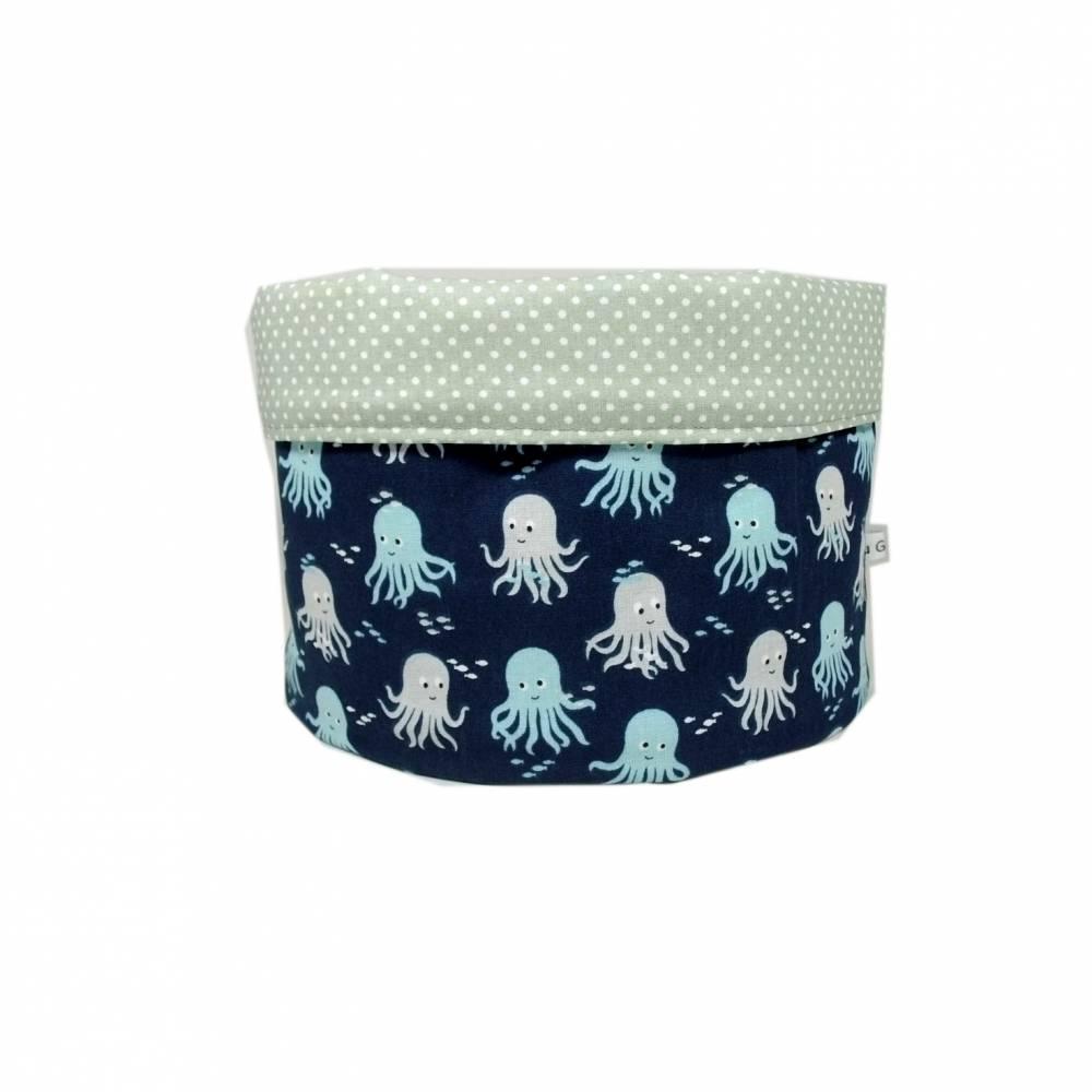 Stoffkörbchen Utensilo weiß Meer Fisch Tintenfisch  maritim blau grau Punkte handmade Bild 1