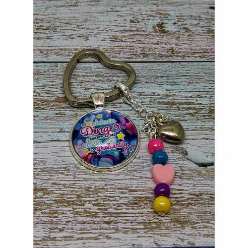 Schlüsselanhänger mit Glas-Cabochon und Perlen-Anhänger
