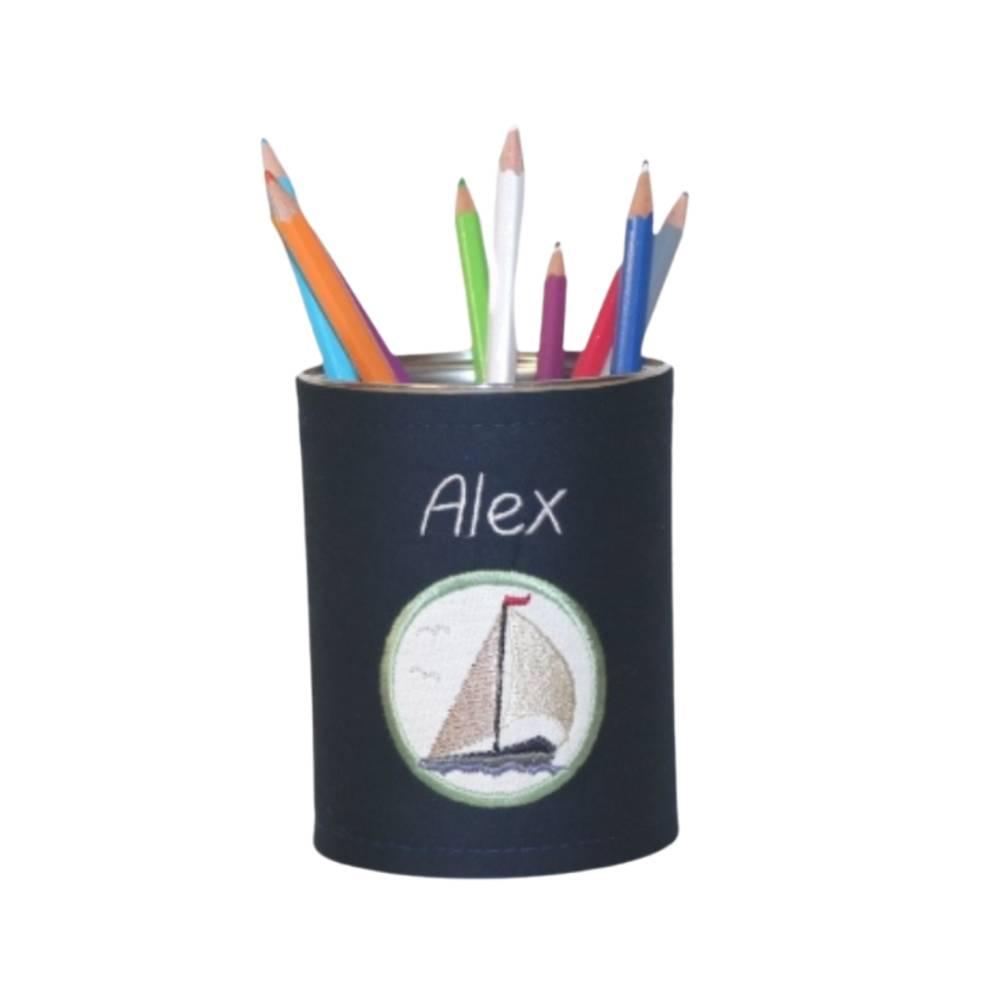 Personalisierte Stiftebox in Wunschfarbe und Motiv - MARITIM: Anker, Steuerrad, Windrose, Leuchtturm, Segelboot, Möwe Bild 1