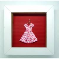 Kleidchen auf Kleiderbügel // Minibild 10 x 10 cm zum Aufstellen oder Hängen Bild 1