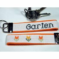 """Schlüsselanhänger handgestickt """"Garten"""" Bild 1"""